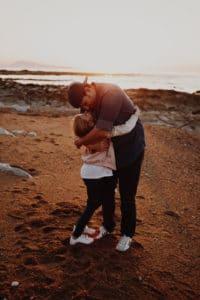 Sur la plage de Guéthary une Séance famille à Pays Basque | Remember Happiness Photographie
