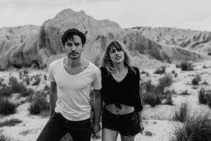 Desert vibes une Séance couple à Bardenas | Remember Happiness Photographie