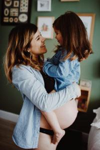 Cocooning une Séance maternité à Toulouse | Remember Happiness Photographie